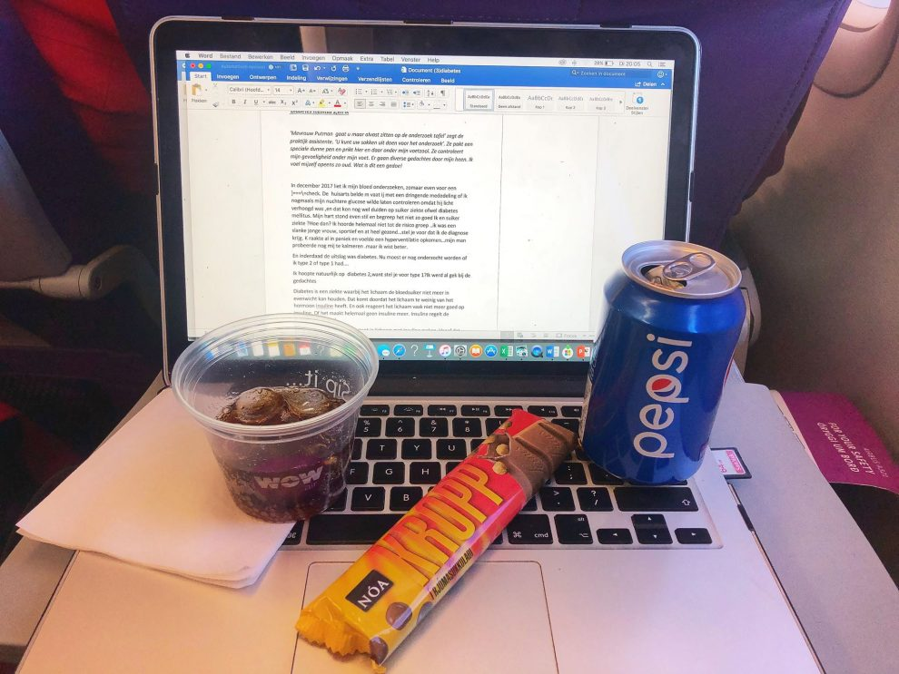 Met WOW air naar Canada stopover op IJsland Chloe Sterk Keflavik Airport snacks aan boord