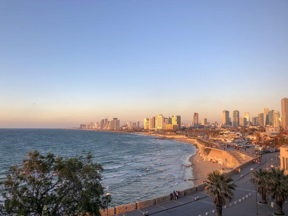 Citytrip Tel Aviv. Uitzicht vanaf Jaffa over Tel Aviv Israel.