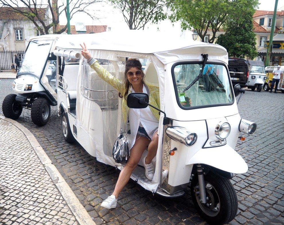 Citytrip Lissabon + Alentejo. Dit is de beste road trip route voor een week. Portugal. Tuk Tuk huren in Lissabon