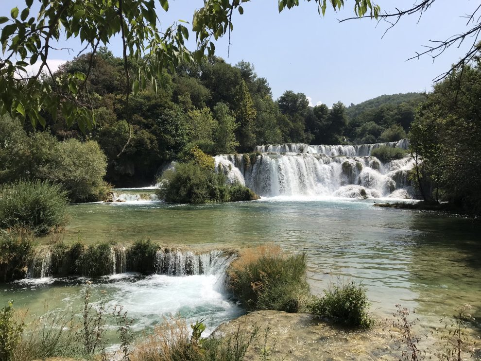 Rondreis Kroatië. vakantie naar Kroatie. Bezienswaardigheden Šibenik. bezoek aan Krka Nationaal Park
