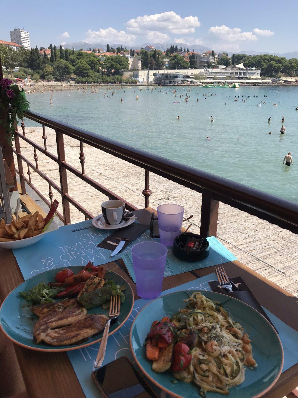 Rondreis Kroatië. vakantie Split. de Stranden van Split