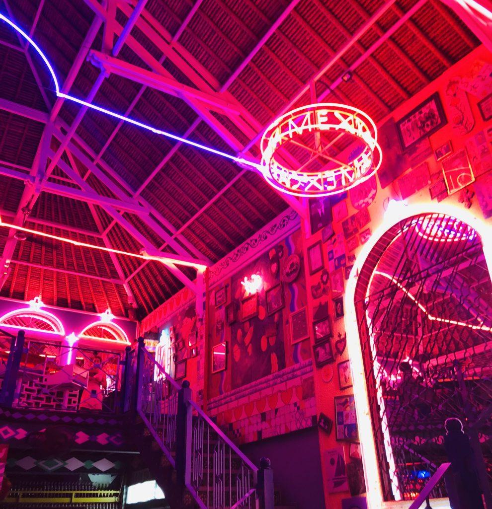 Eerste keer op vakantie naar Bali. 21-daagse reisroute & 10 tips - nachtleven van Kuta, Seminyak en Canggu - Motel Mexicola