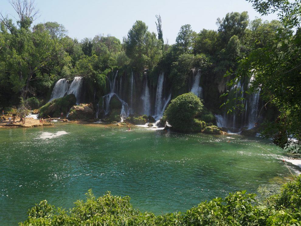 Balkan roadtrip - 3weekse reisroute - dagactiviteit vanuit Mostar - Kravica watervallen