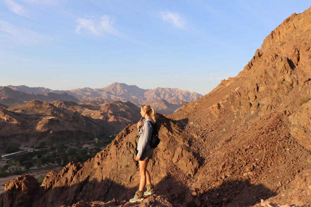 Rondreis Namibie. De mooiste plekken voor 3 weken - Niemansberg beklimmen