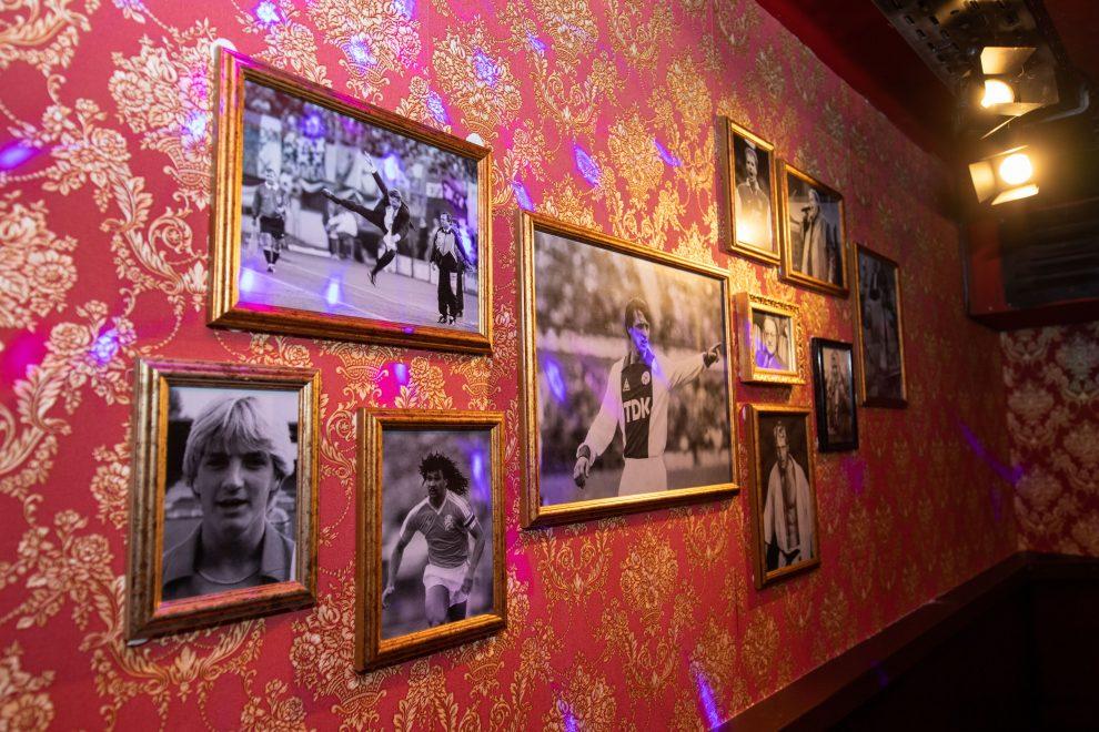 Cafe Plan West, voorheen Cafe de Krommerdt Andre Hazes kroeg, Amsterdam West De Baarsjes, Witte de Withstraat 188, Mingus Verhoeff, karaokebar in Amsterdam - culinair dineren in Amsterdam