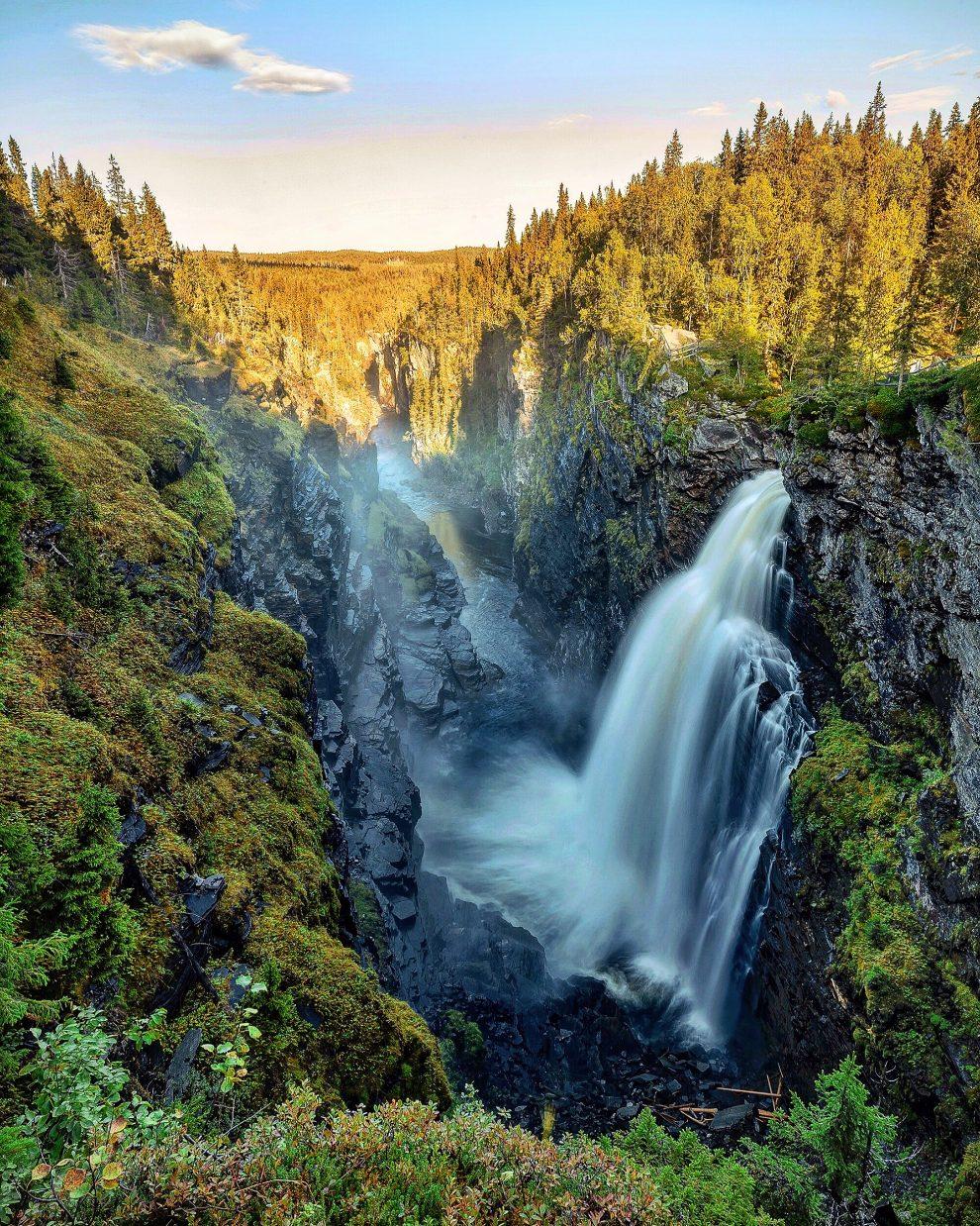 Vakantie in de wildernis van Zweden - Hällingsåfallet, Vildmarksvägen, Wilderness Road Zweden, op vakantie in Jamtland.