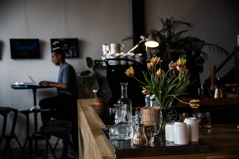 Koffiebars in Amsterdam. de beste koffie koffiebar van Amsterdam centrum. Espressofabriek Westergasfabriek