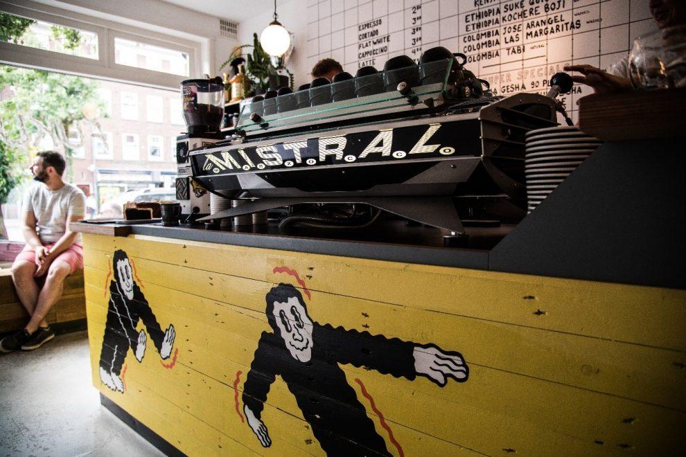 Koffiebars in Amsterdam. de beste koffie koffiebar van Bos & Lommer Amsterdam koffietent Fuku. Dylan Sedgewick en Lex Wenneker