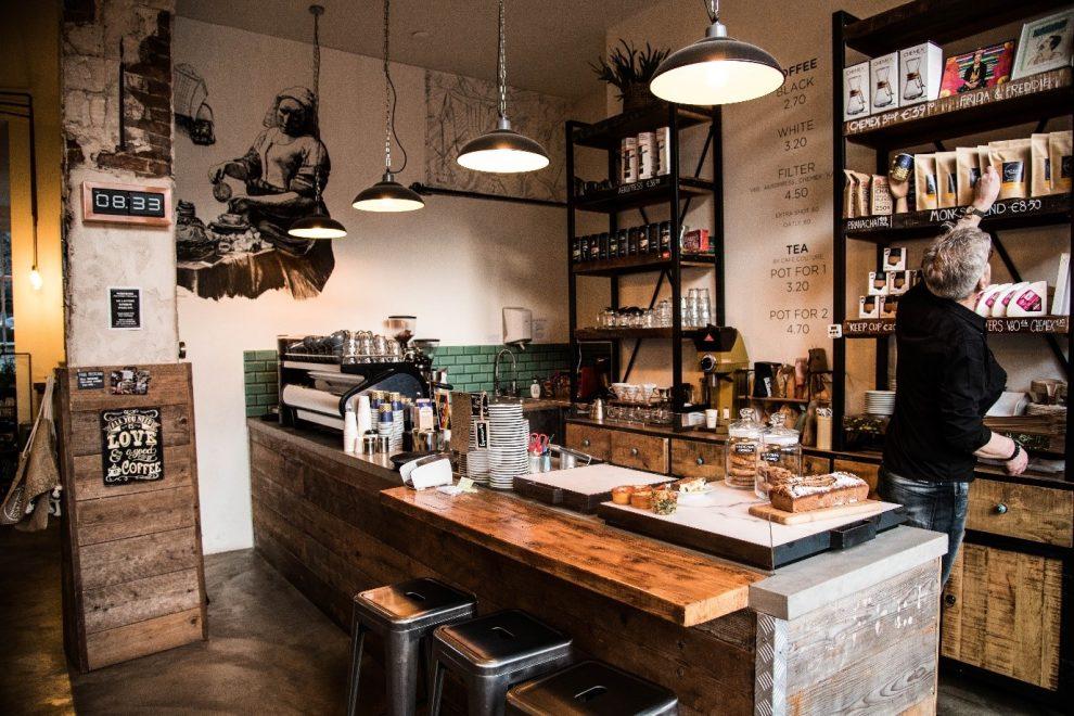 Koffiebars in Amsterdam. de beste koffie koffiebar Monks Coffee Roasters Da Costabuurt Amsterdam