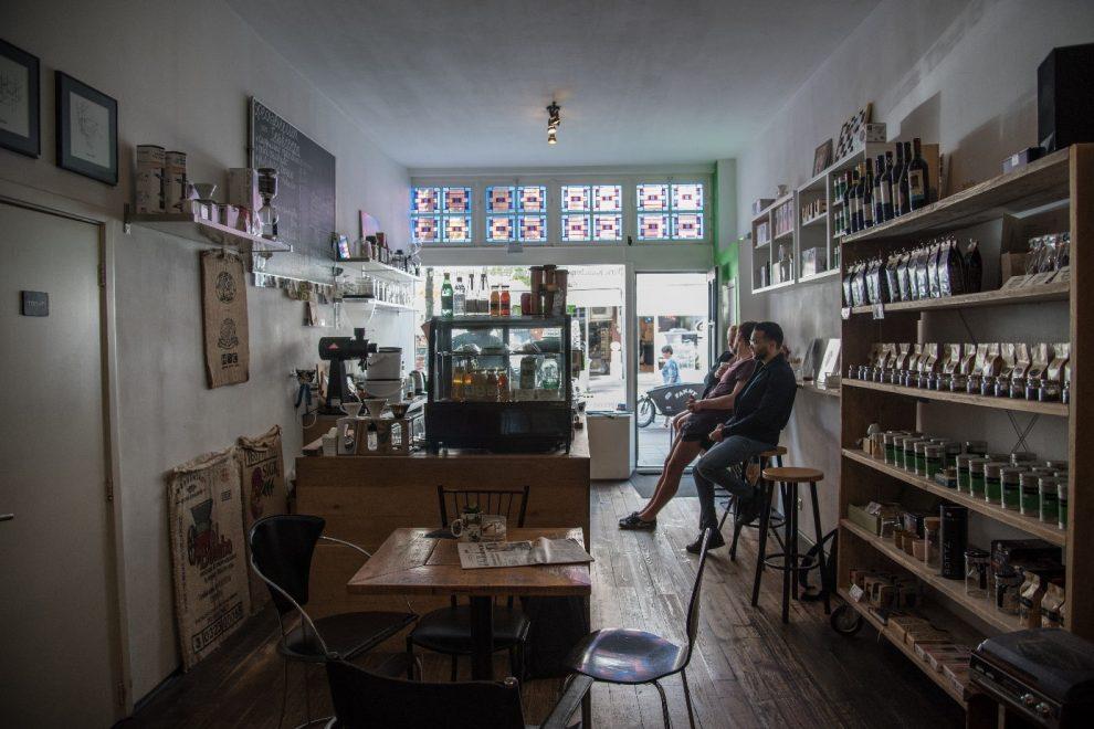 Koffiebars in Amsterdam. de beste koffie koffiebar Trakteren