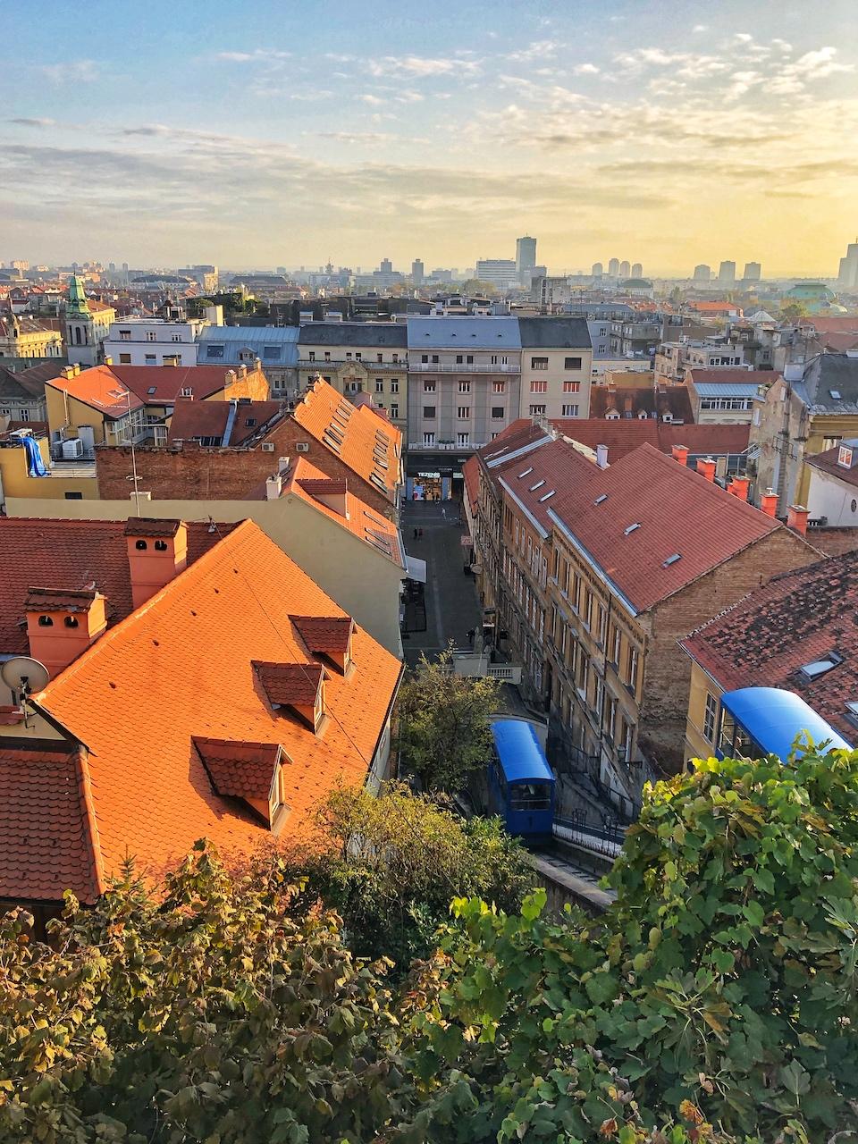 Stedentrip Zagreb - tips - kroatie - kaart Zagreb - Zagreb funicular, de kortste kabelbaan ter wereld