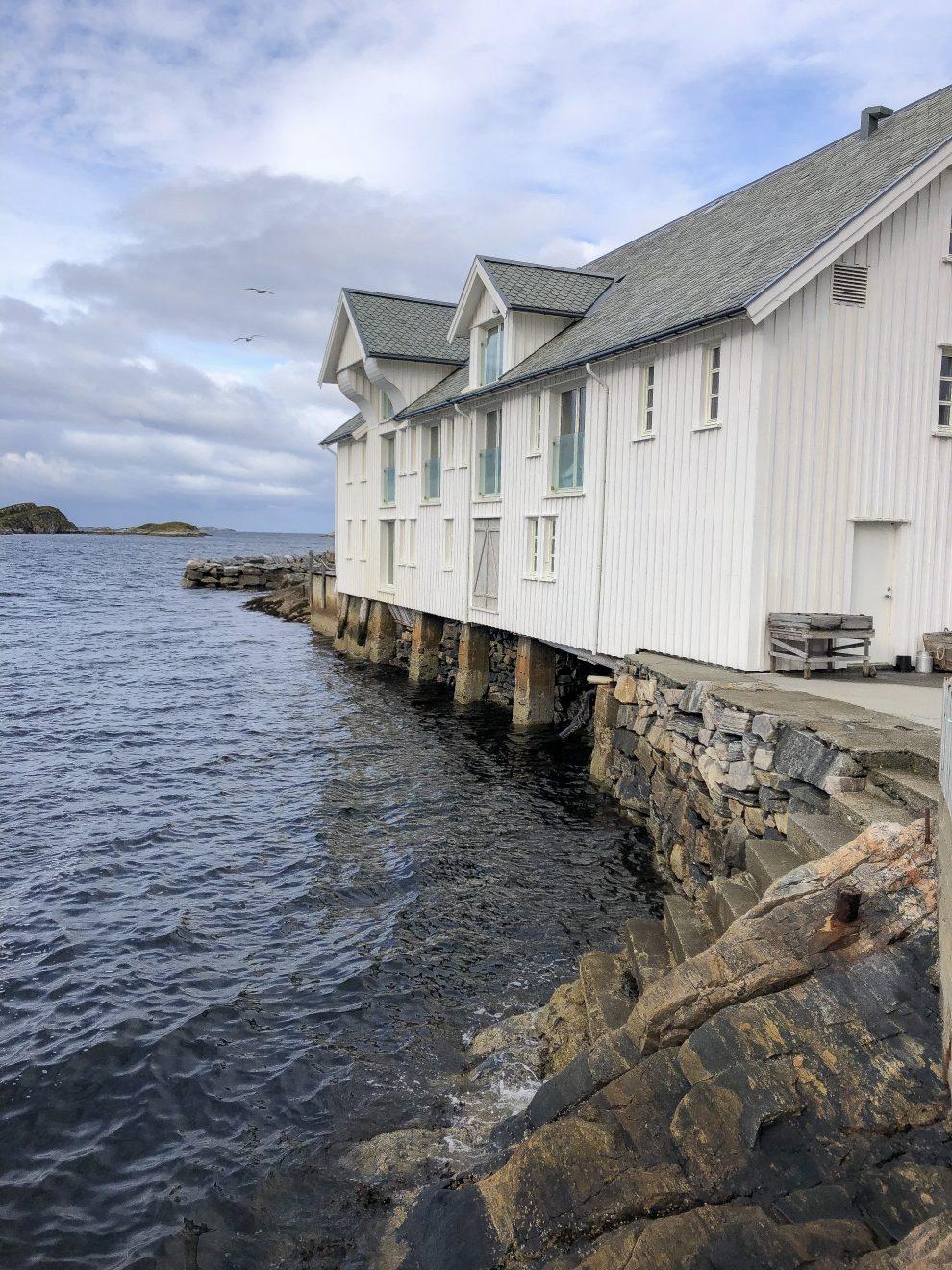 Rondreis door Midden Noorwegen - mooiste weg van Noorwegen Rondreis door Midden Noorwegen - Slapen in een Noorse cabin - Sveggvika