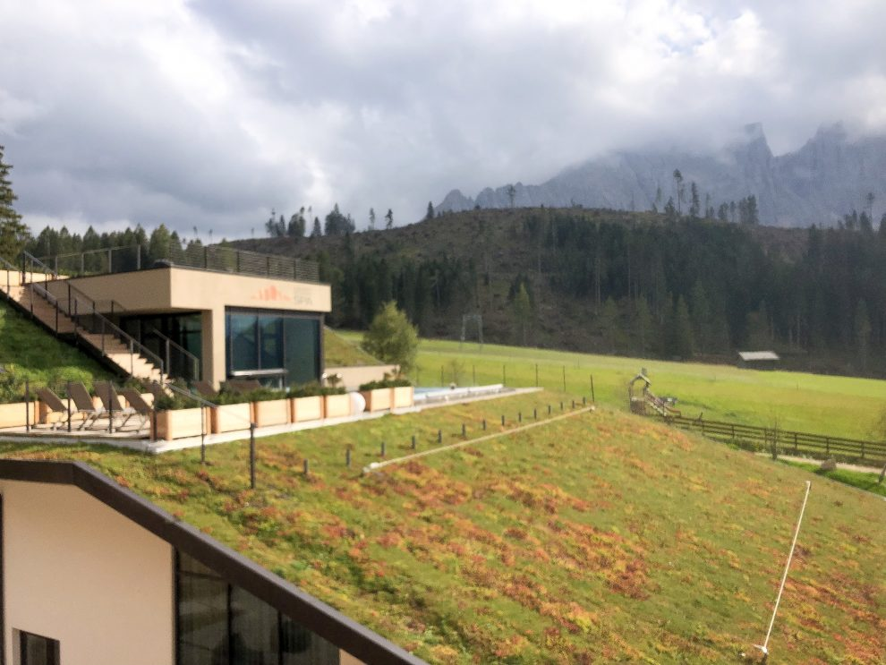 Vakantie naar Zuid Tirol, Dolomieten in de zomer - Rosengartengruppe -  Wellness in de Dolomieten