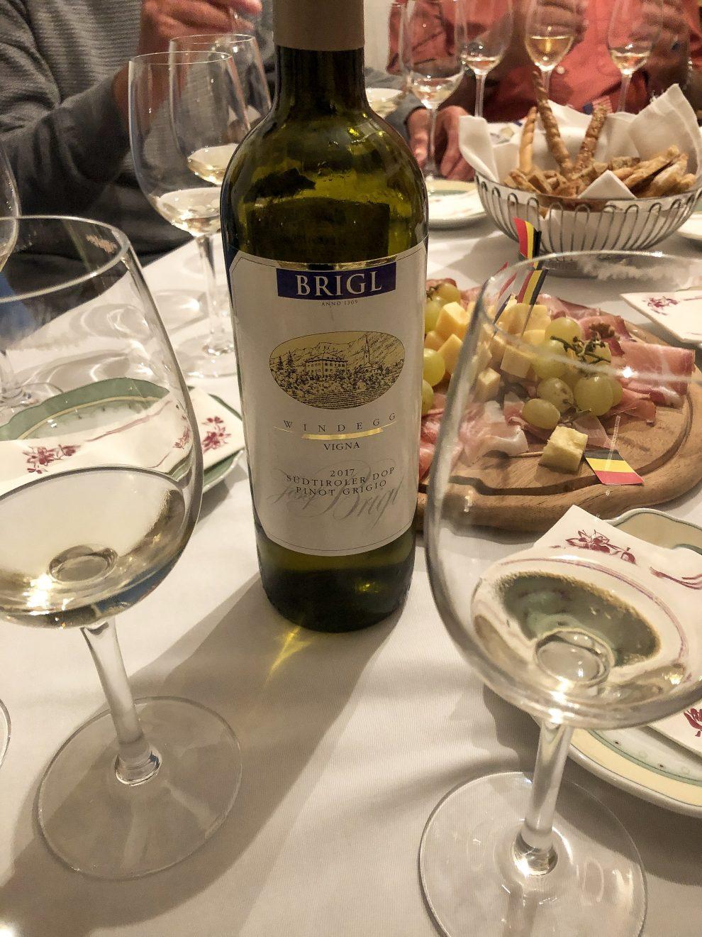 Vakantie naar Zuid Tirol, Dolomieten in de zomer - Rosengartengruppe -  Wijn proeven in de Dolomieten