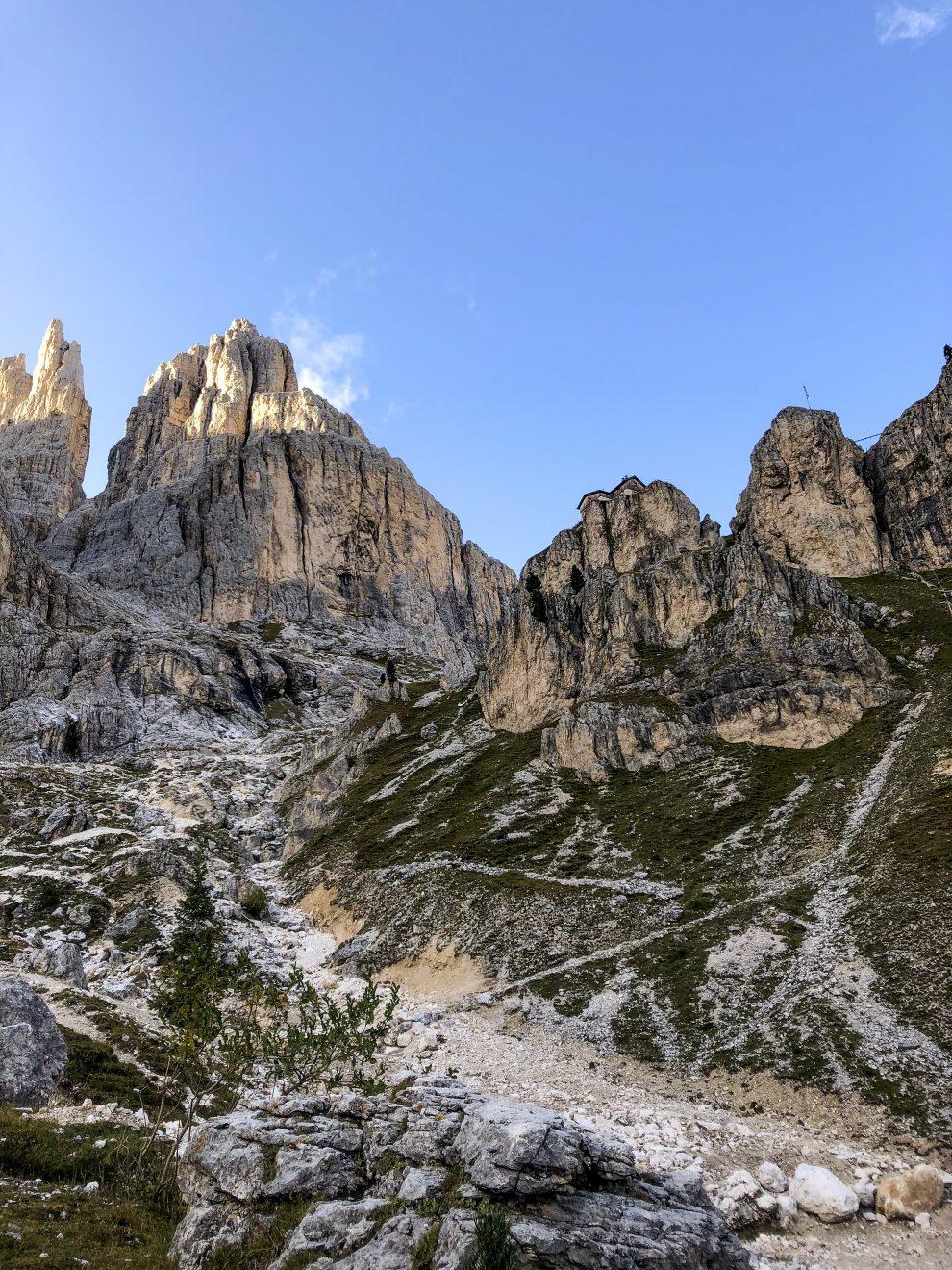 Vakantie naar Zuid Tirol, Dolomieten in de zomer - Rosengartengruppe -  Vajolet Towers - how to reach Vajolet hut