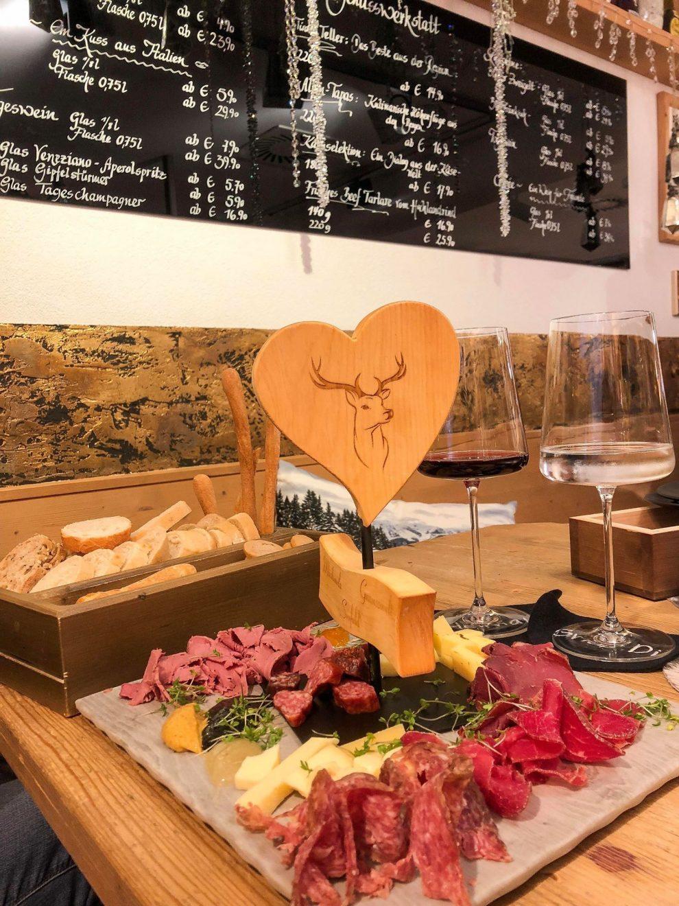 Seefeld in Tirol - skigebied -  wintersportgebied in de Oostenrijkse Alpen - eten en drinken Seefeld - Plangger Delikatessen