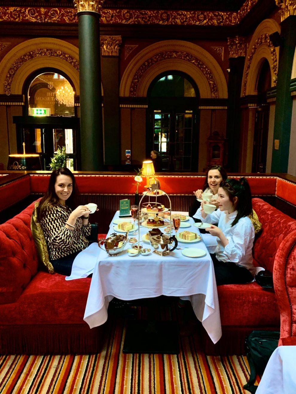 Stedentrip Belfast. De leukste bezienswaardigheden en alle tips!  Afternoon Tea in The Merchant Hotel