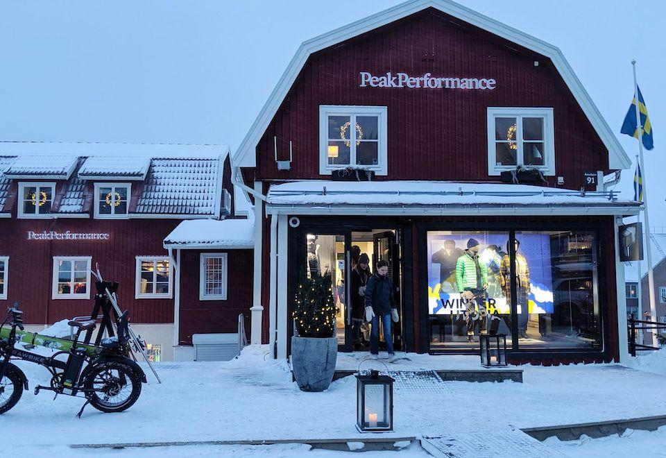 shoppen Peak Performance - Skistar freeride offpiste Åreskutan - Wintersport Åre Zweden - beste skigebied van Zweden