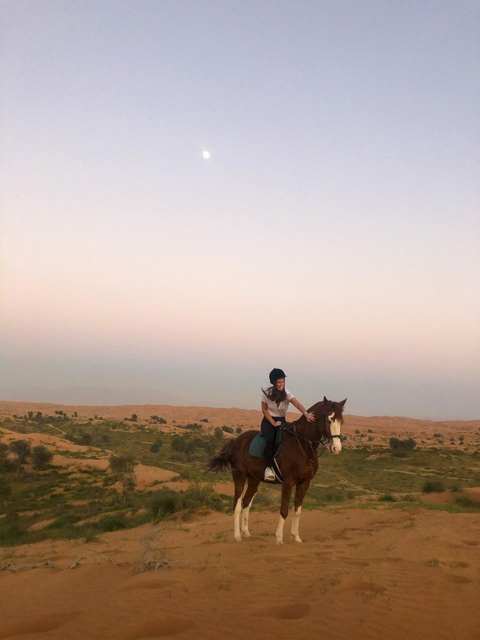 Vakantie Ras Al Khaimah tips - Al Wadi Desert - Chloe Sterk - Amandine Hach - paardrijden