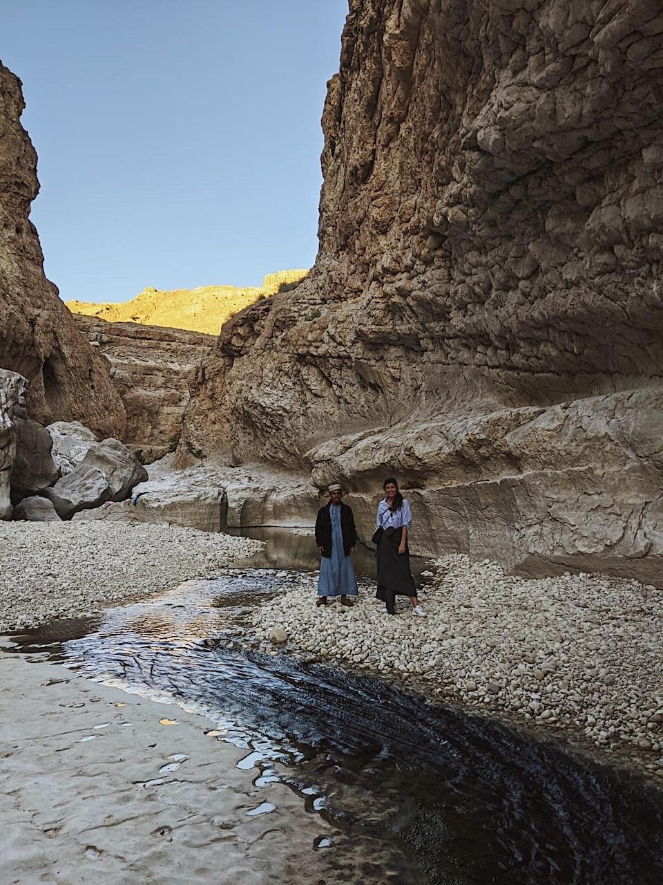 Met een gids naar Wadi Bani Khalid - de bezienswaardigheden en beste reisroute voor 9 dagen.