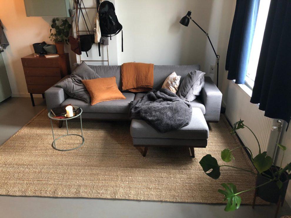 Lianne Sanders Twitter in haar studio