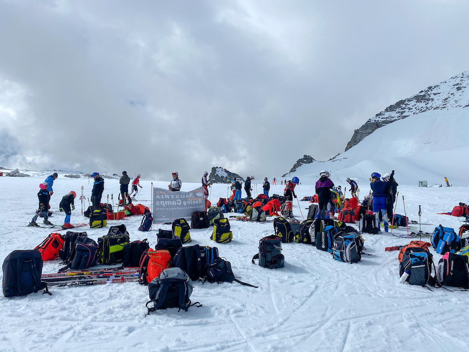 Hintertuxer Gletscher ski teams