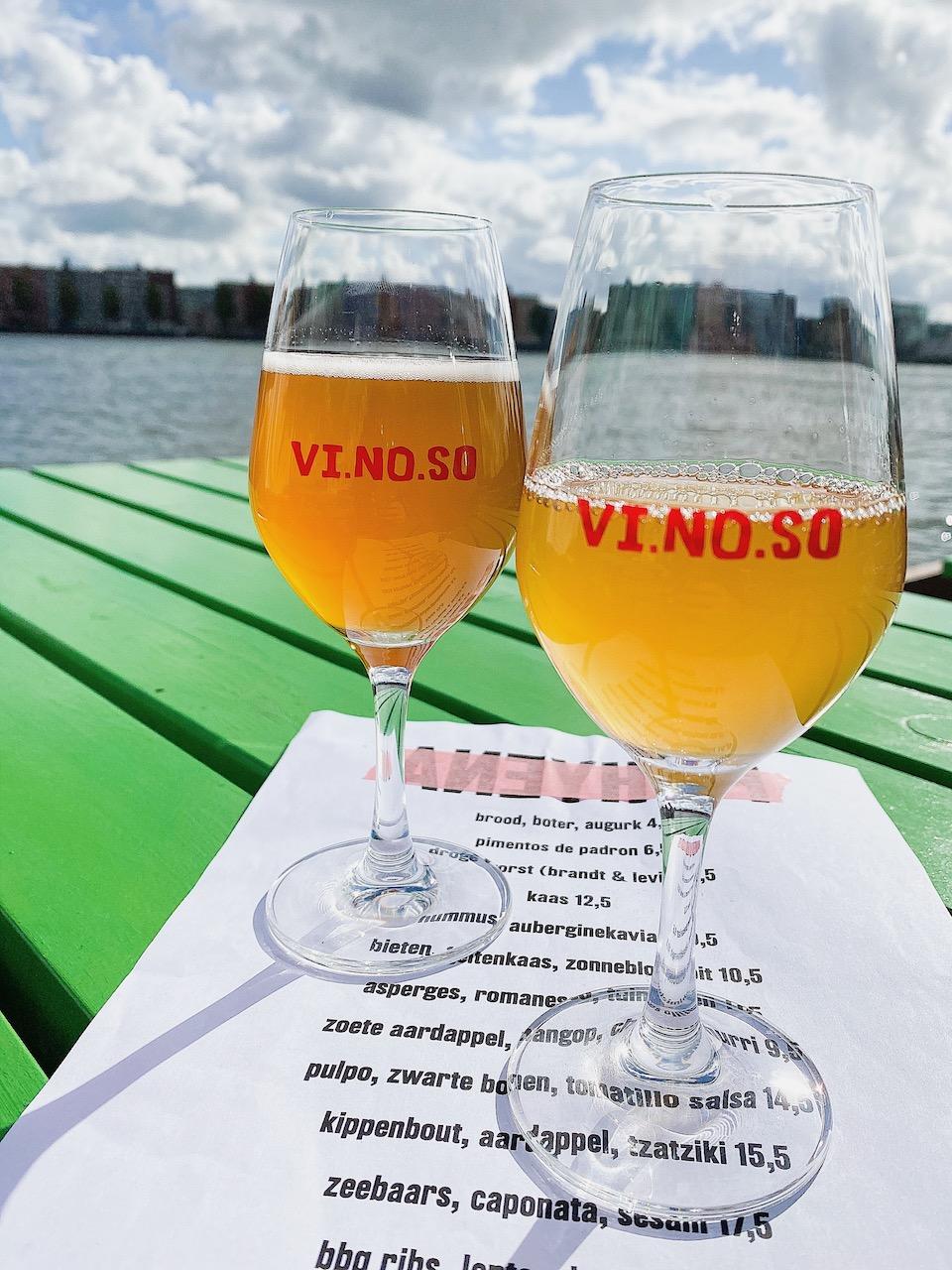 natuurwijnen drinken in Amsterdam - hotspots in Amsterdam Noord