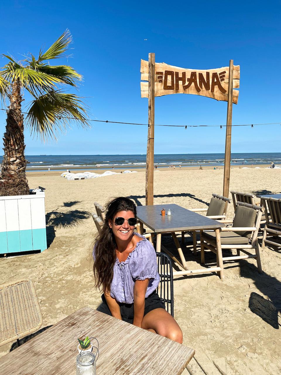 Chloe Sterk bij Ohana Zandvoort aan Zee