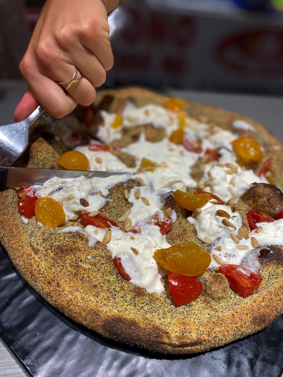 Beste pizza van de wereld winnende pizza van 2019 genaamd Rofumi Liguri