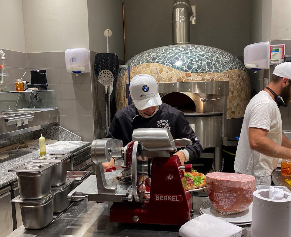 Pizzaria in Levanto net buiten Cinque Terre