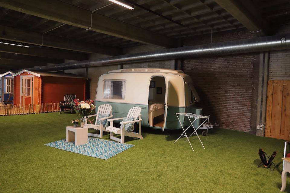 Vakantie in Amsterdam indoor camping Outside Inn