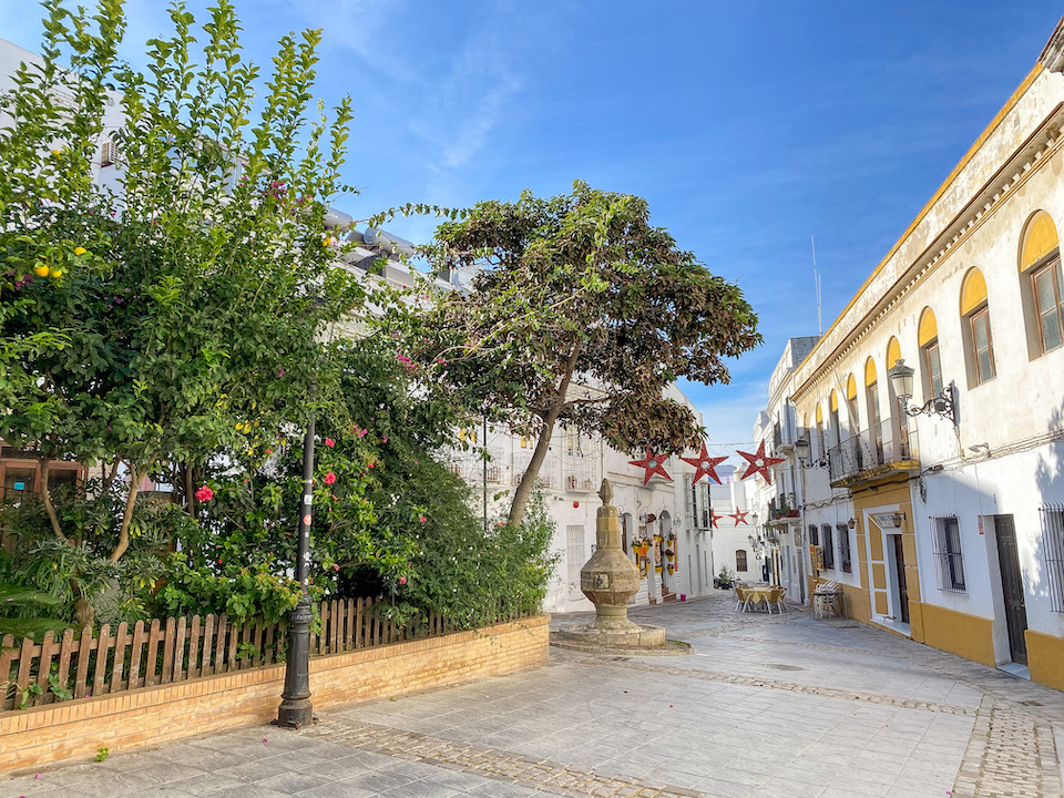 Plaza de la Fuente bezienswaardigheden Tarifa