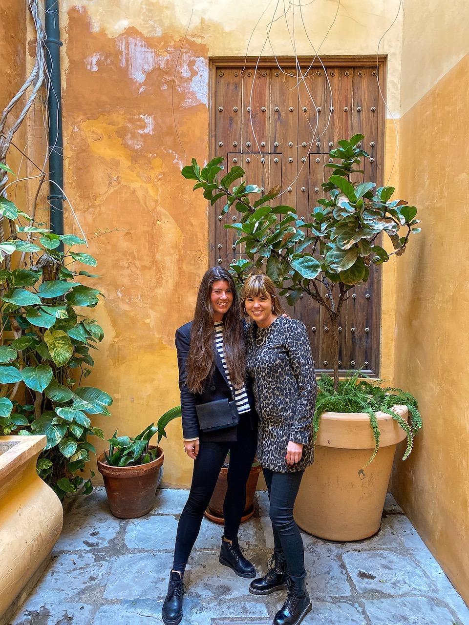 Mandy en Chloe bij AIRE Ancient Baths Sevilla