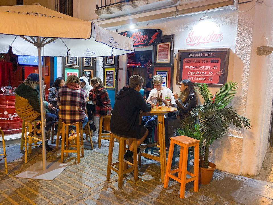 Surf Bar Tomatito - uitgaan en barretjes Tarifa