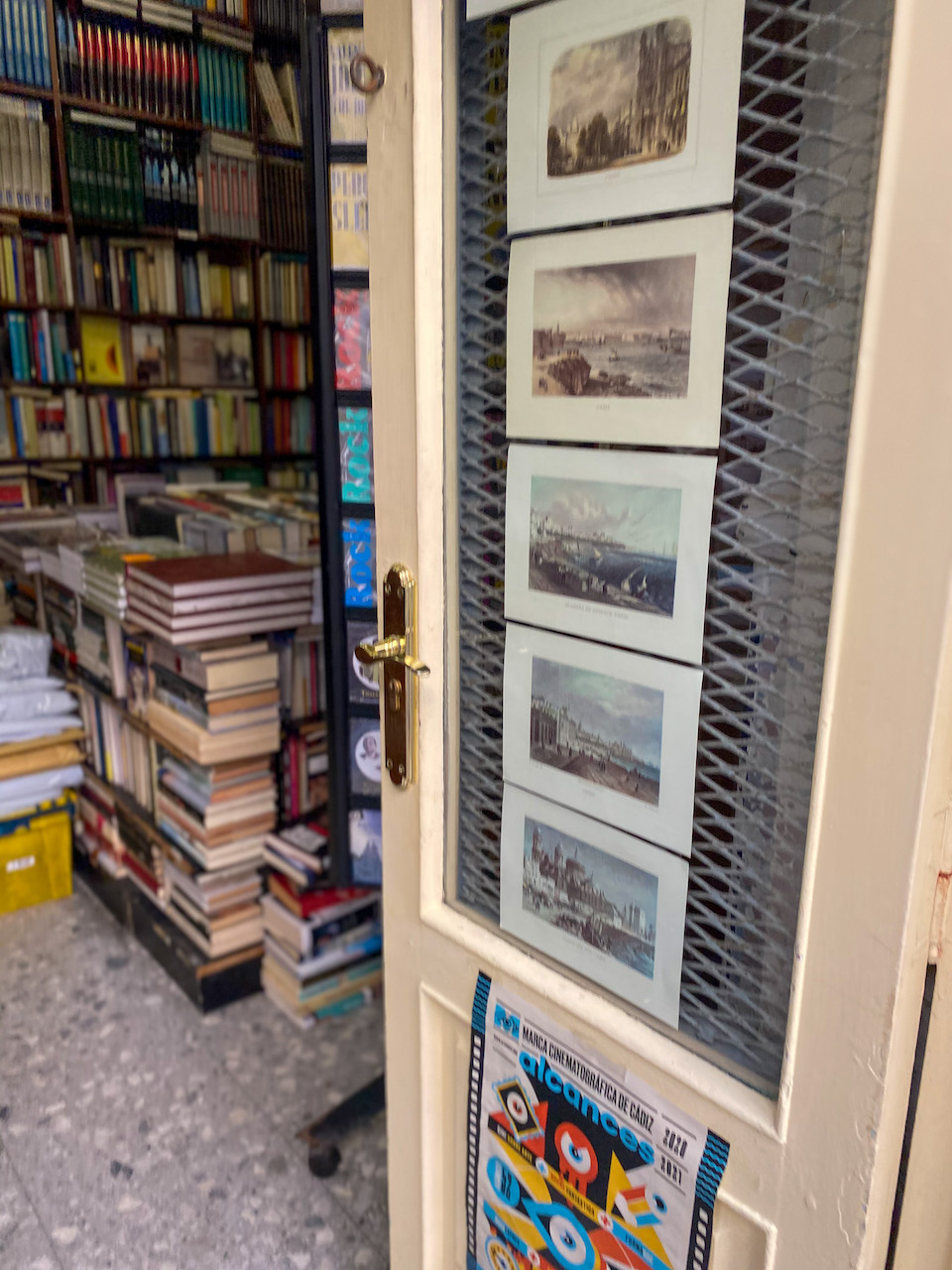 shoppen in Cadiz tijdens citytrip - Librería Raimundo