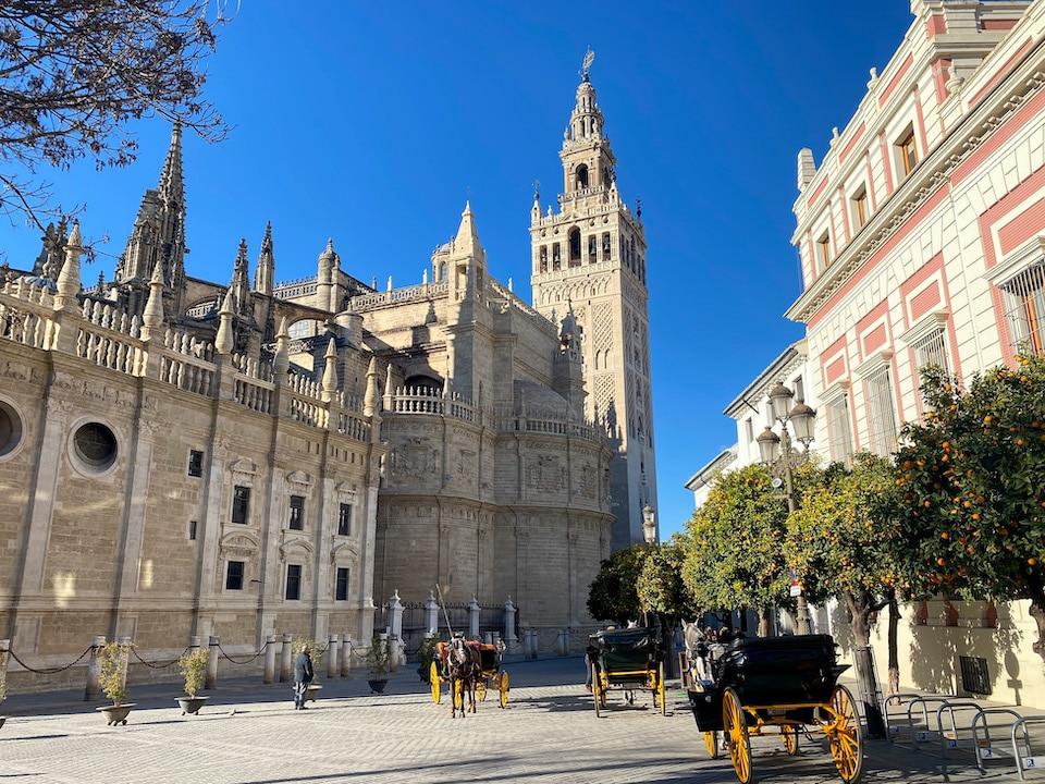 Giralda en kathedraal van Sevilla
