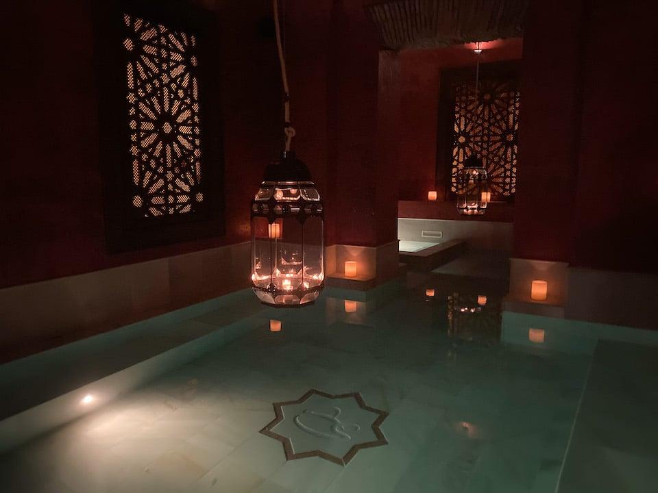 Thermal Bath Experience - tepidarium bad - AIRE Ancient Bath