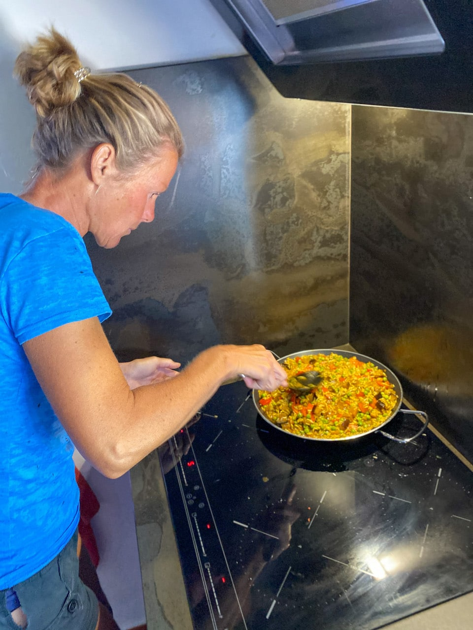 Sabine aan het koken Villa Vital