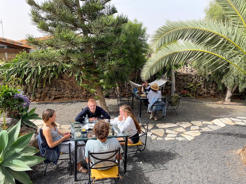 Brunchen bij de Surfescape Lajaras Fuerteventura
