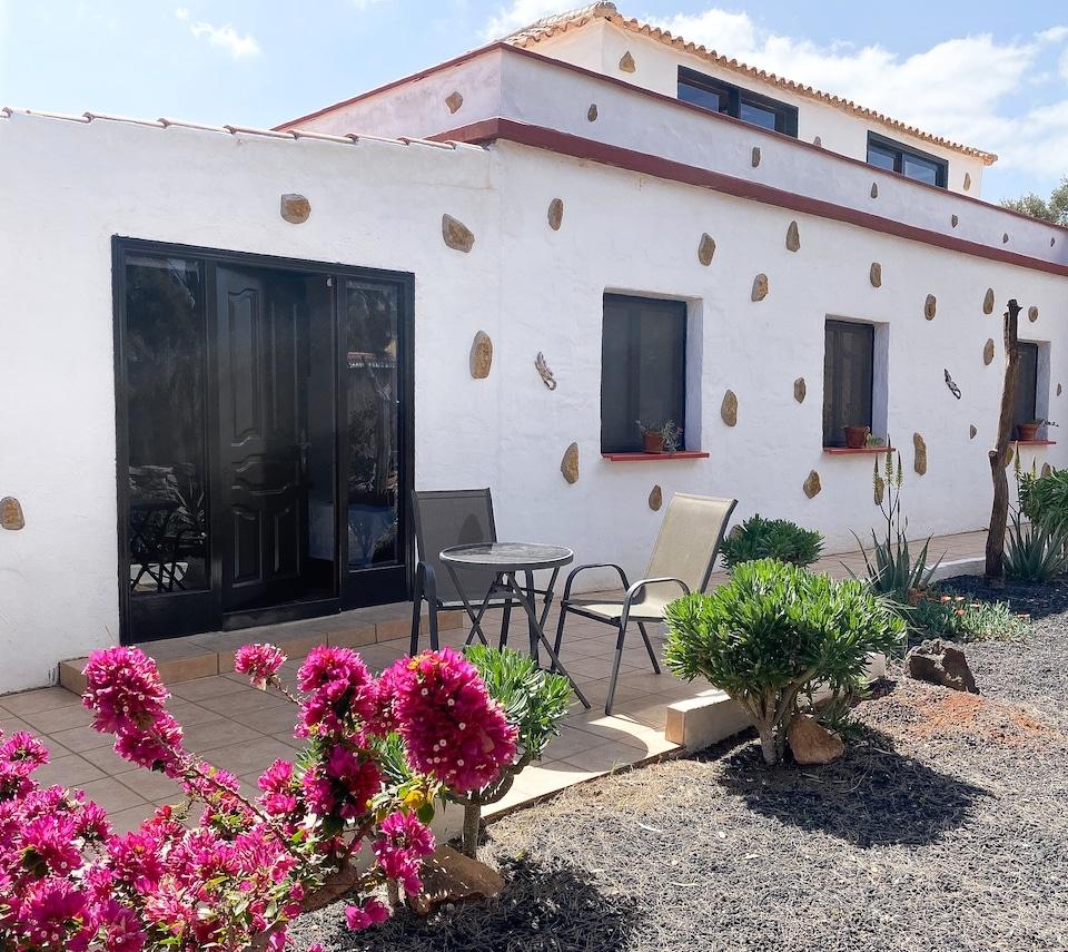 Deze afbeelding heeft een leeg alt-attribuut; de kamers van Villa Vital - wandel en fiets vakantie op Canarische eilanden is IMG_4051.jpg