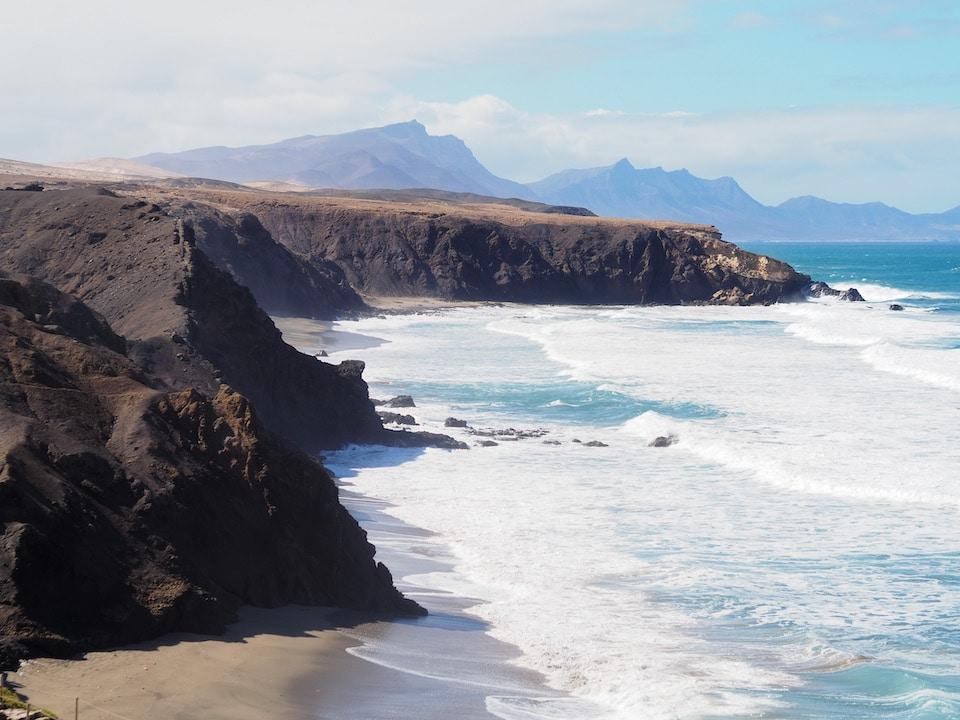 surfen in het zuiden van Fuerteventura - La Pared