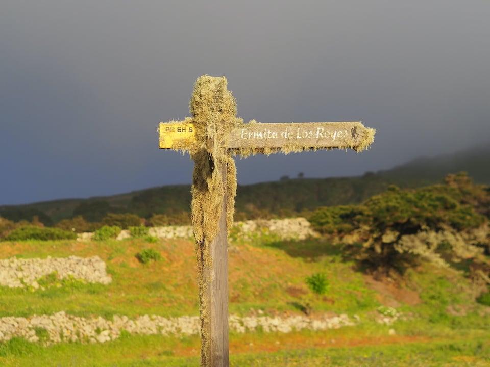 roads on El Hierro