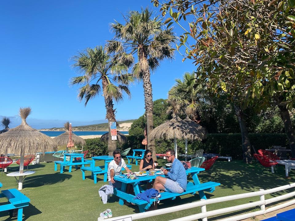 eten drinken op strand van tarifa - PlayadeValdevaqueros