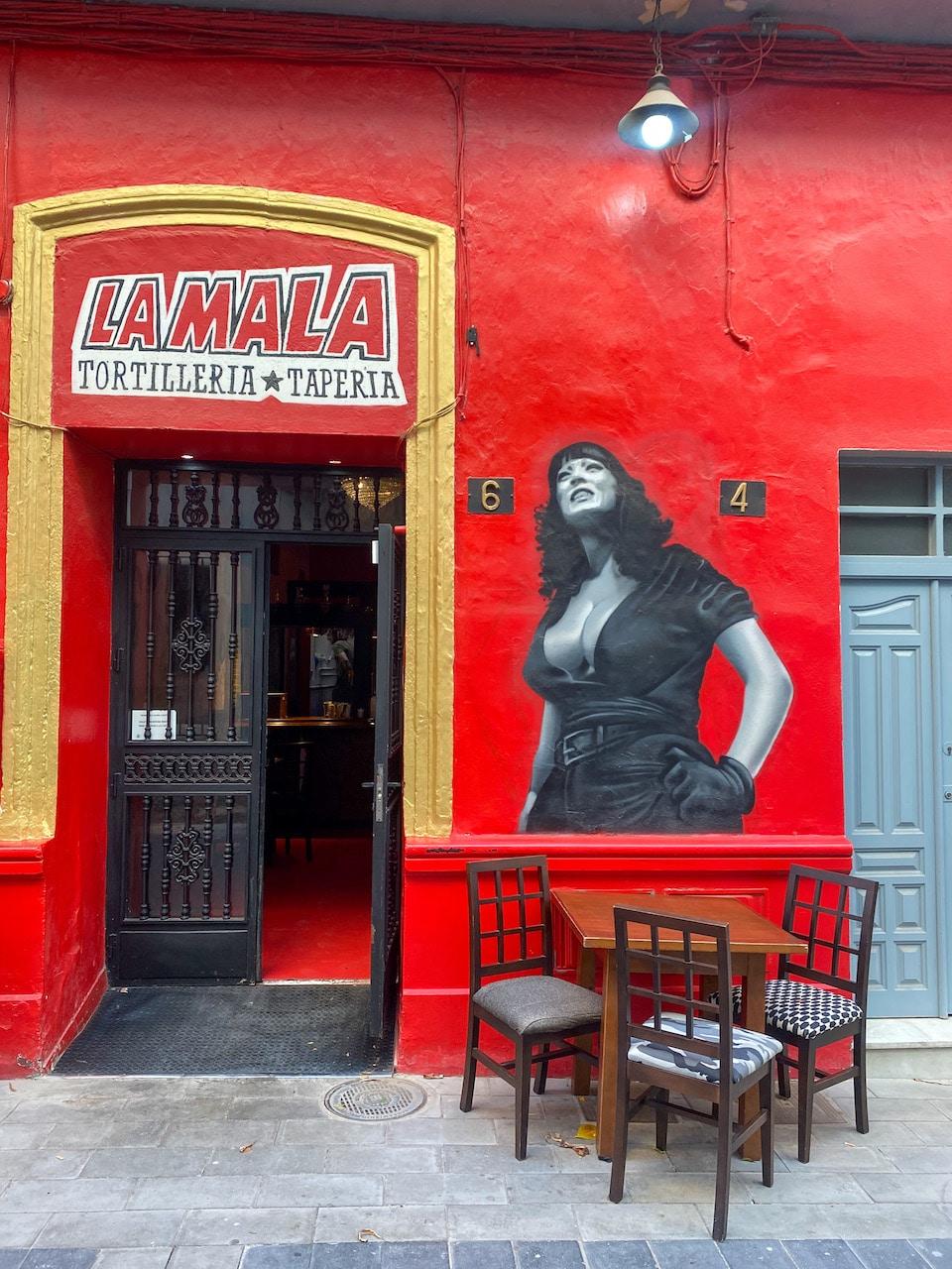 citytrip Almeria leukste wijken - Taperia La Mala