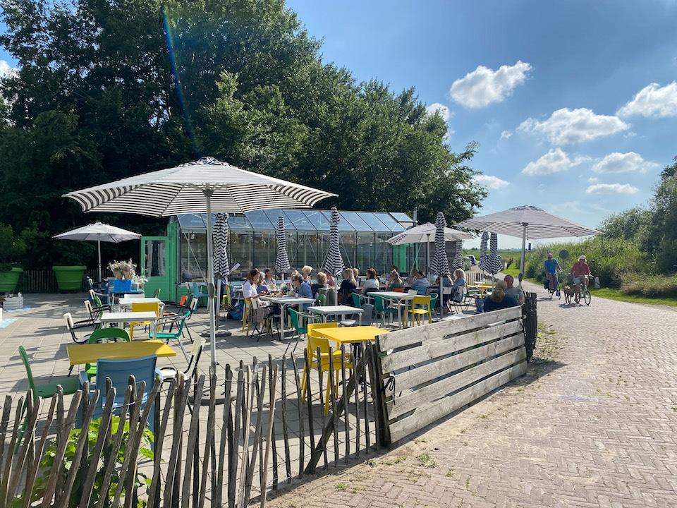 eten aan het water in Friesland - Foodbar Picknickers Terherne