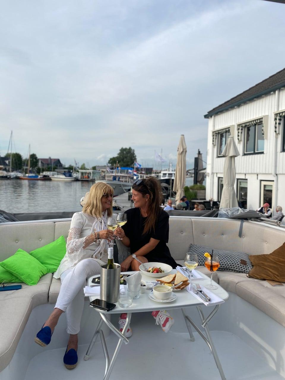 Vaarvakantie in Friesland - vaarroute voor 1 week  - beste restaurant in Grou hotel Oostergoo