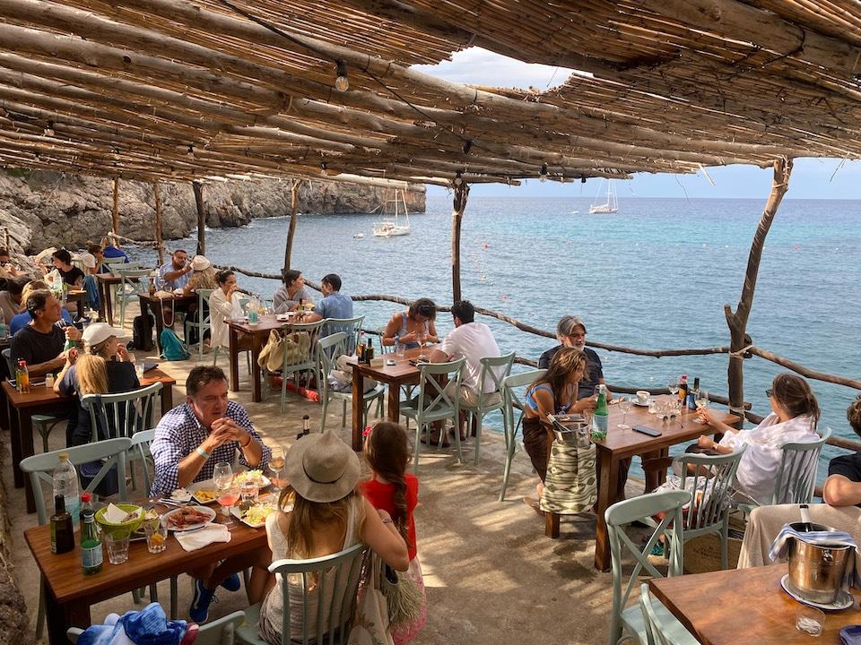 Ca's Patro March restaurant met mooiste uitzicht op het strand Mallorca